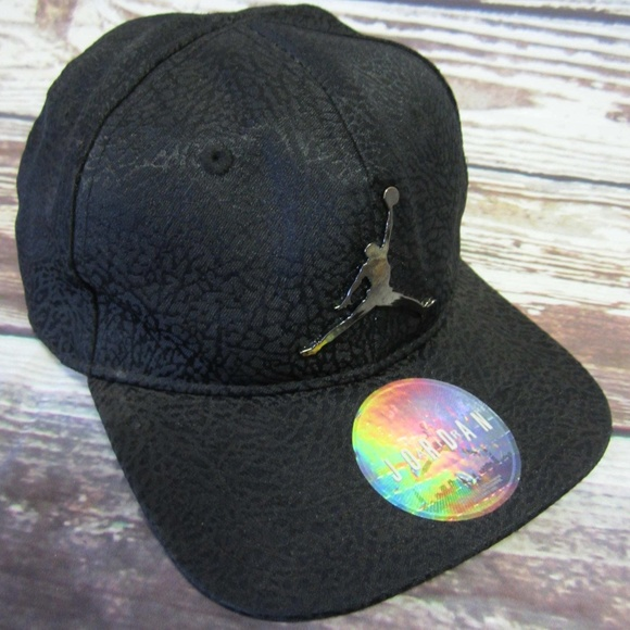 e6ed0e4198e Nike Air Jordan Cap Hat Black Snapback Toddler Kid.  M 5b1679073c98445693e121f5